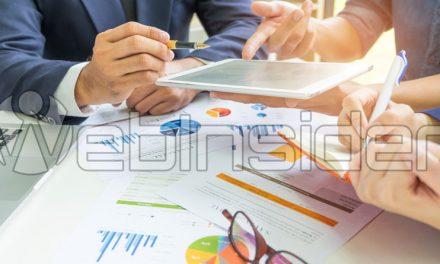 Budżet internetowej kampanii reklamowej, czyli wróżenie zfusów wwersji korporacyjnej (pro-korpo)